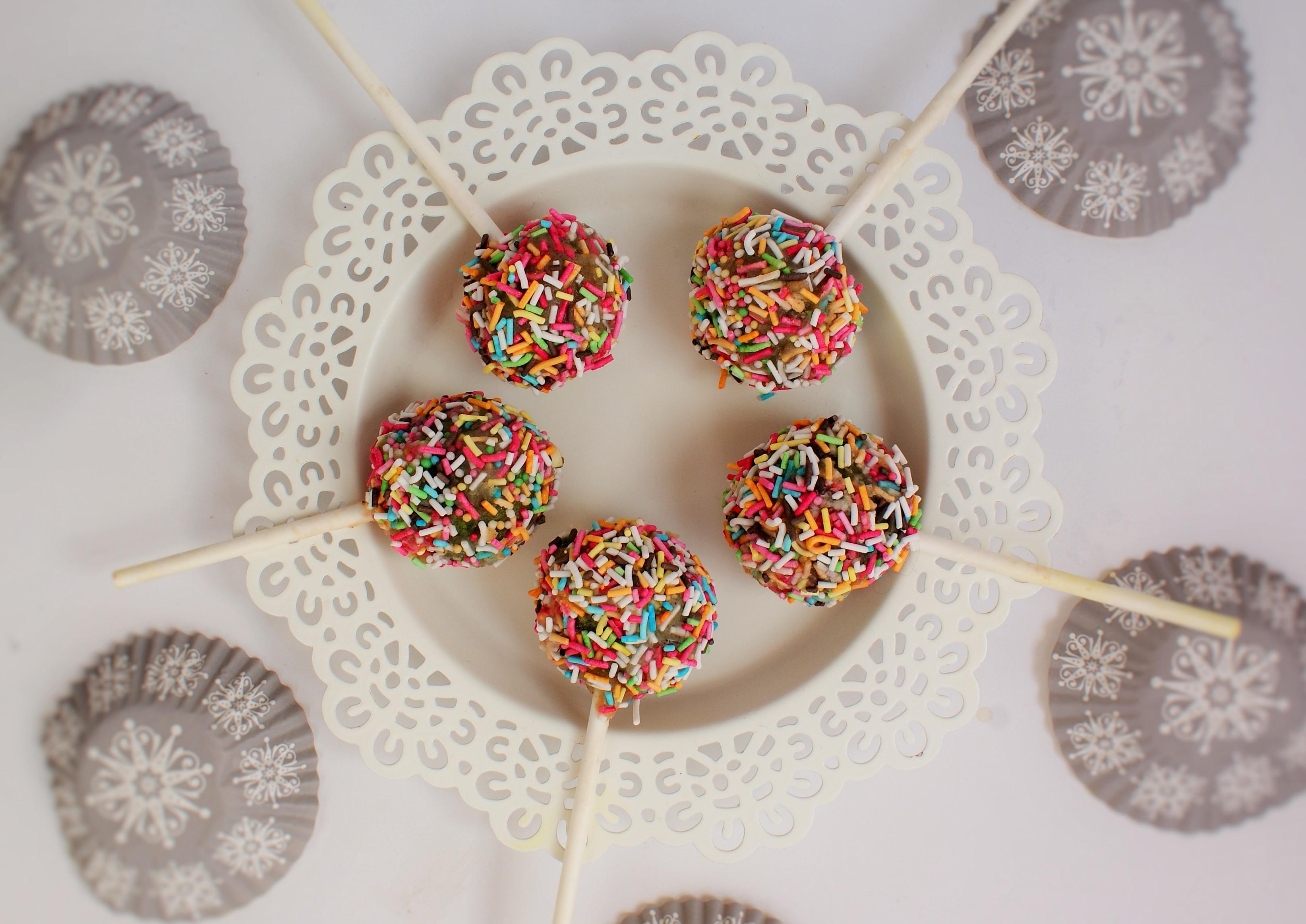Cake pops czyli ciastka na patykach