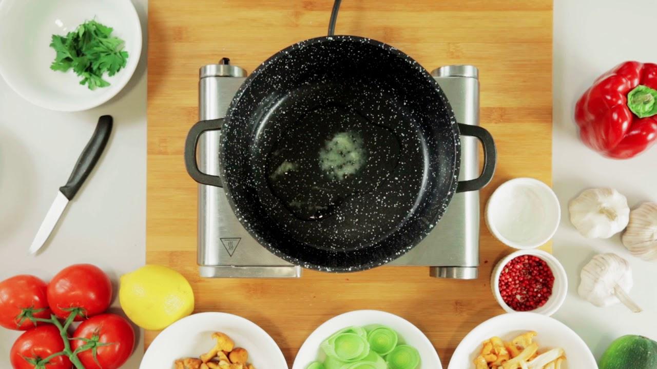 Polędwiczka z dorsza z kurkami i sosem serowo-porowym